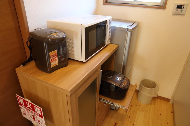 飛雪の滝キャンプ場コテージ冷蔵庫炊飯器レンジ