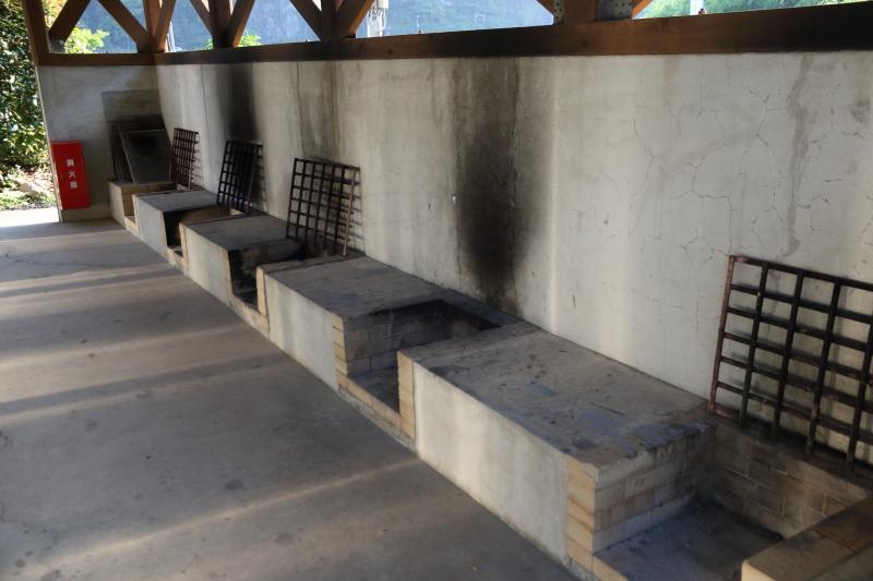 飛雪の滝キャンプ場炊事棟内部